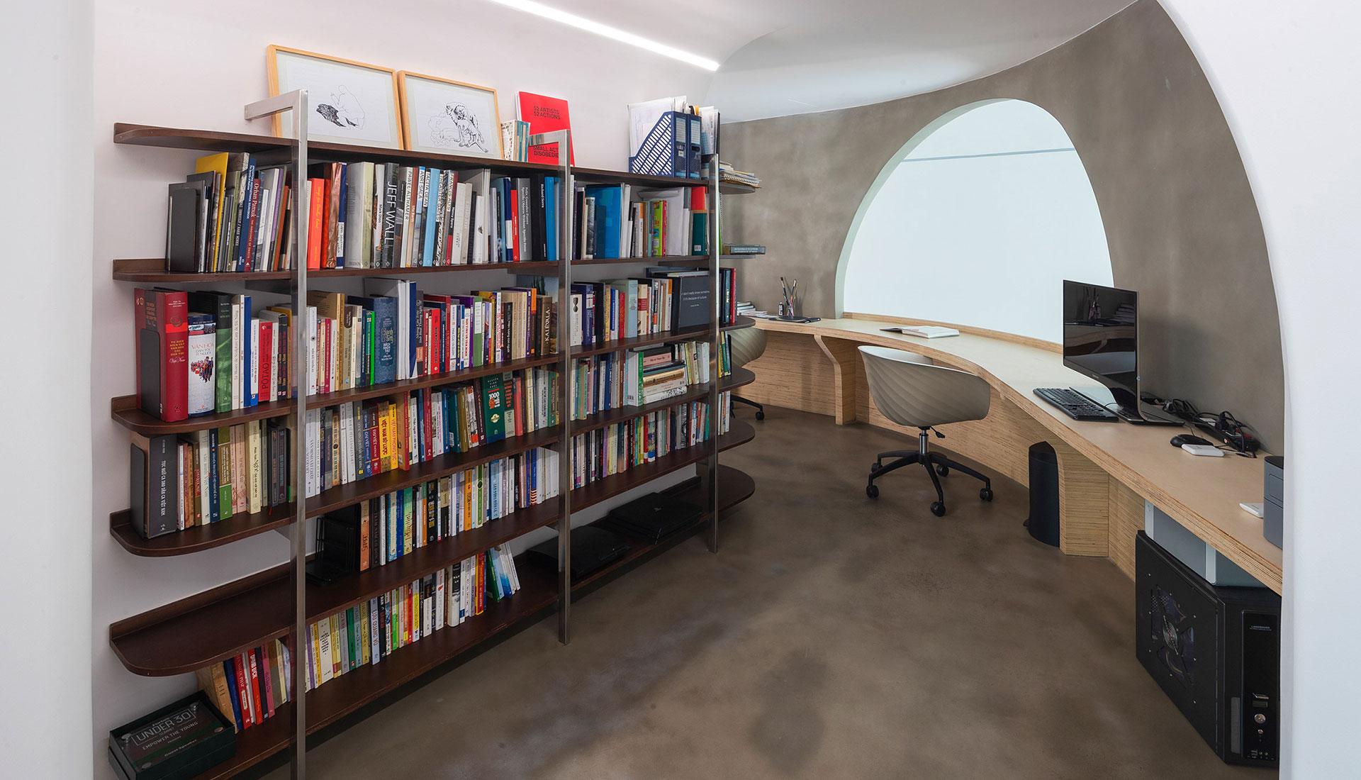 Книги в интерьере фото