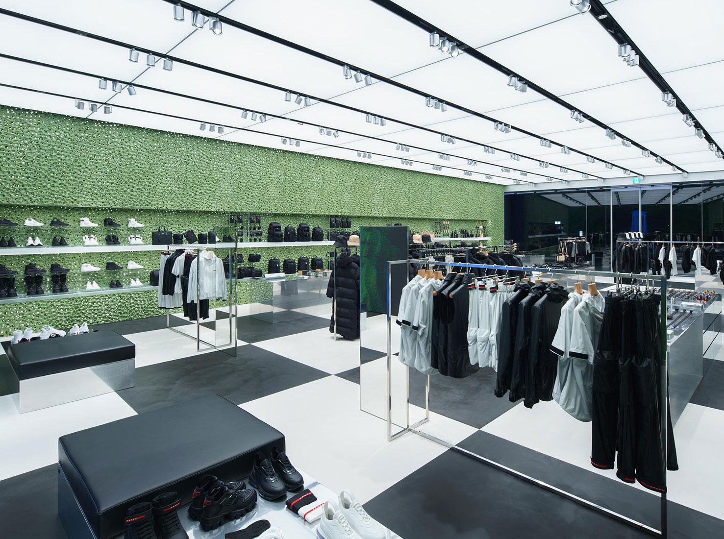 Бутик Prada в Токио фото