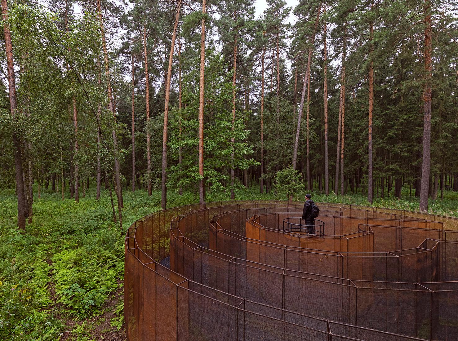 ЧА ЩА. Выставка в лесах фото