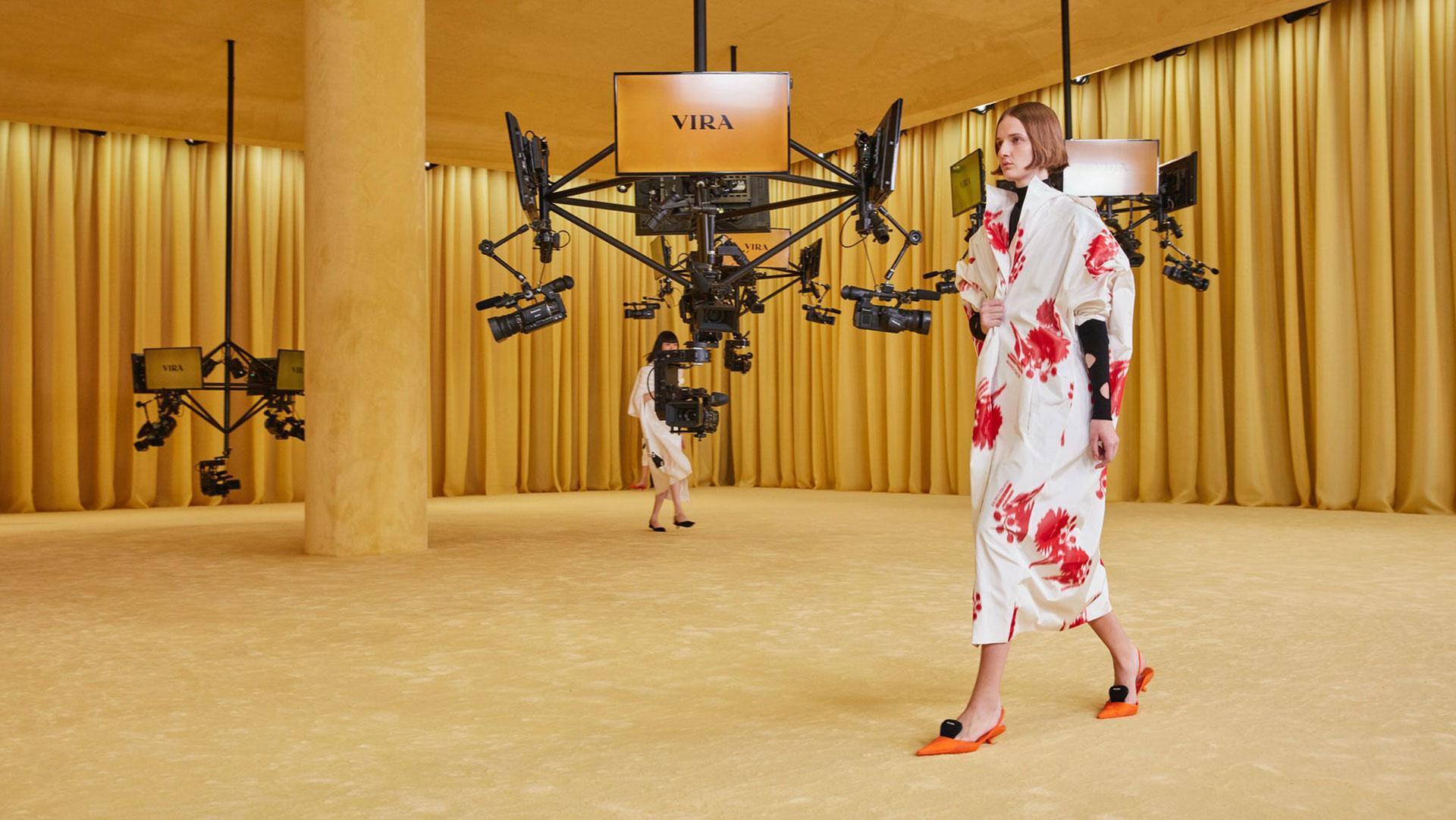 Виртуальный показ Prada фото