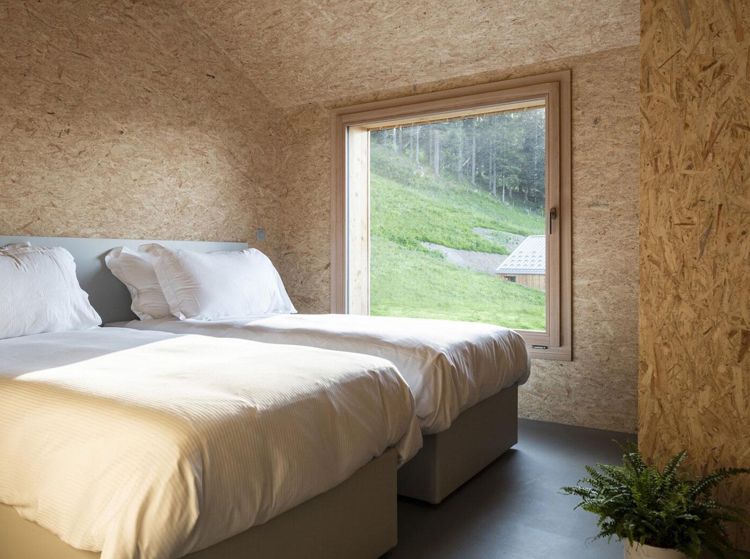 экологический отель в Альпах фото