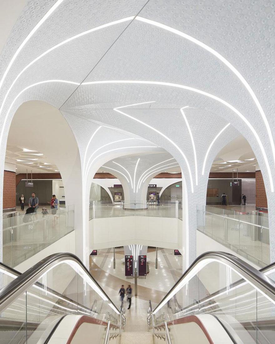 Метро в Дохе фото