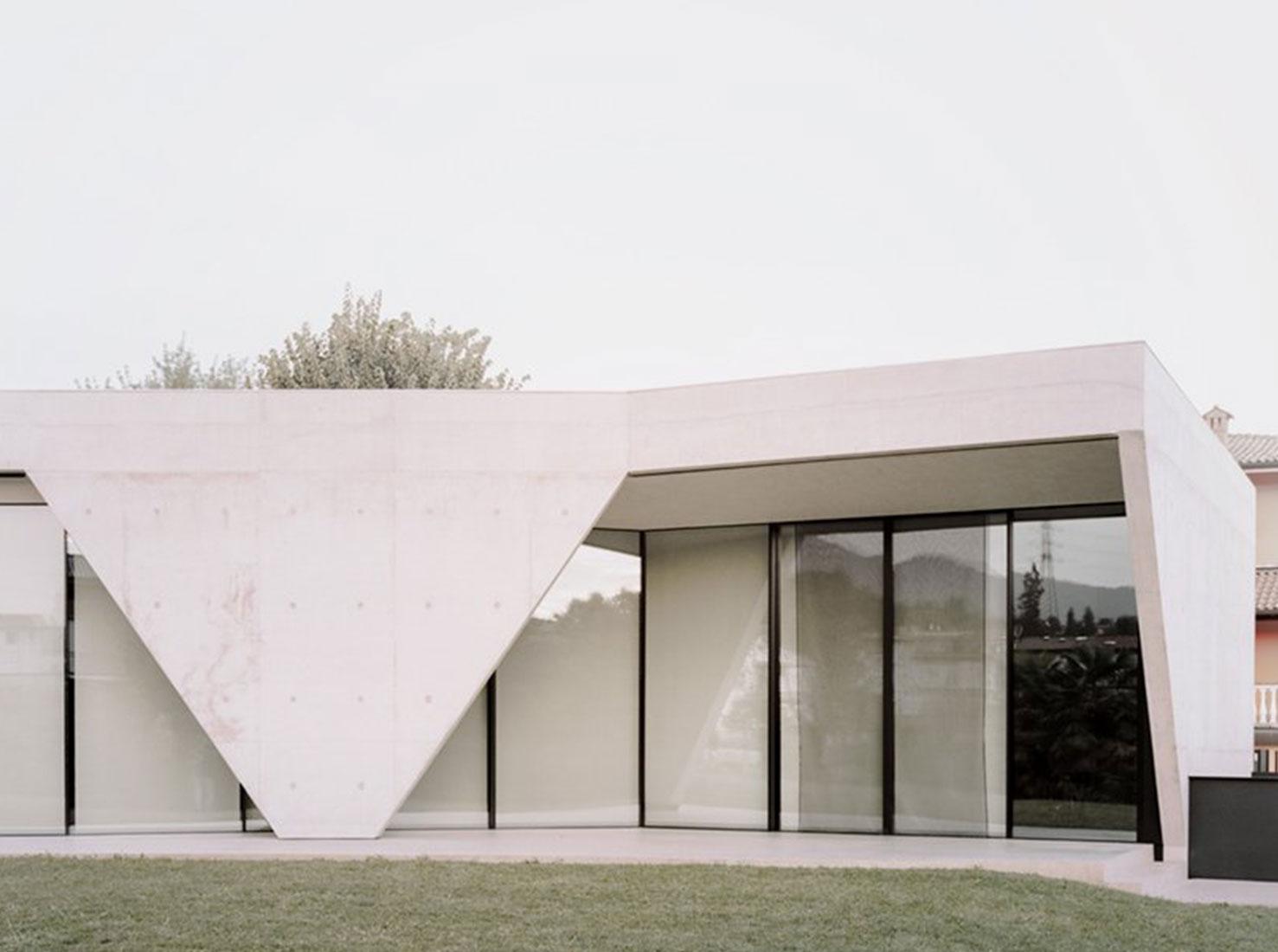Бетонный дом фото