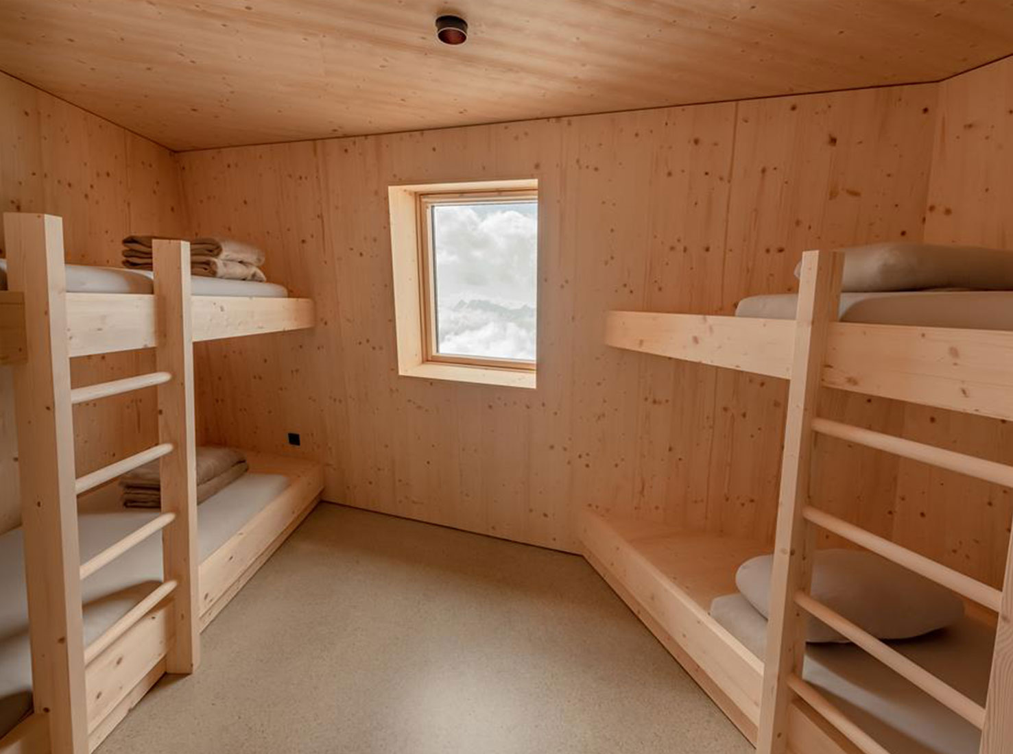 убежище в Альпах фото