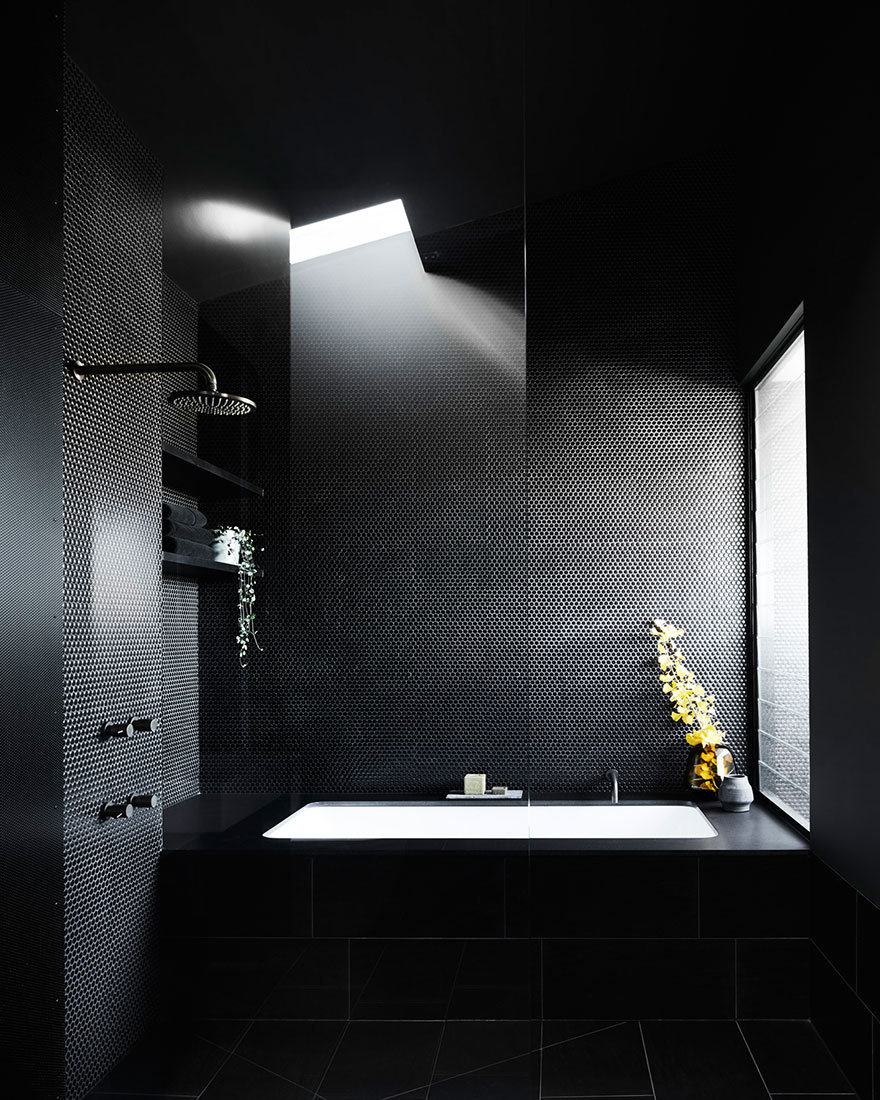 Черная ванная комната фото
