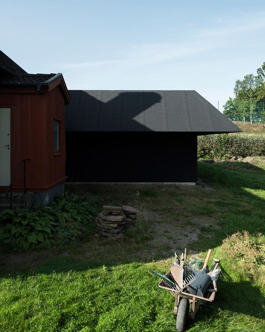 Черные дома фото