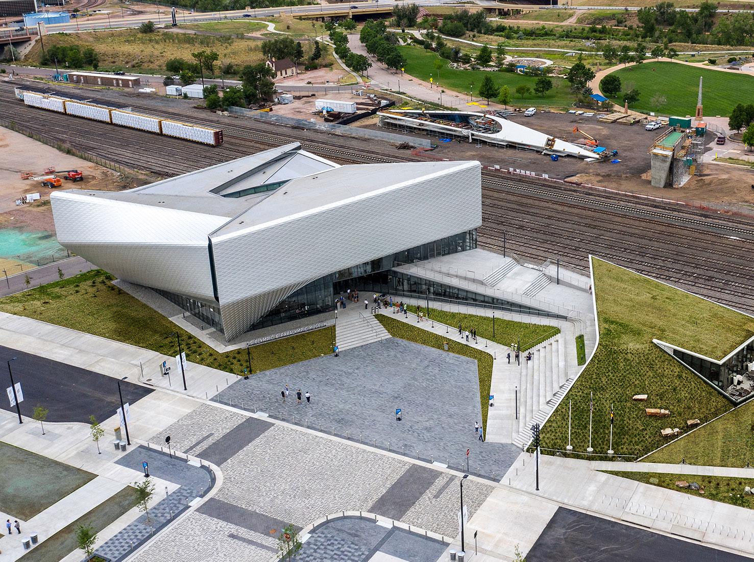 Современная архитектура здания фото