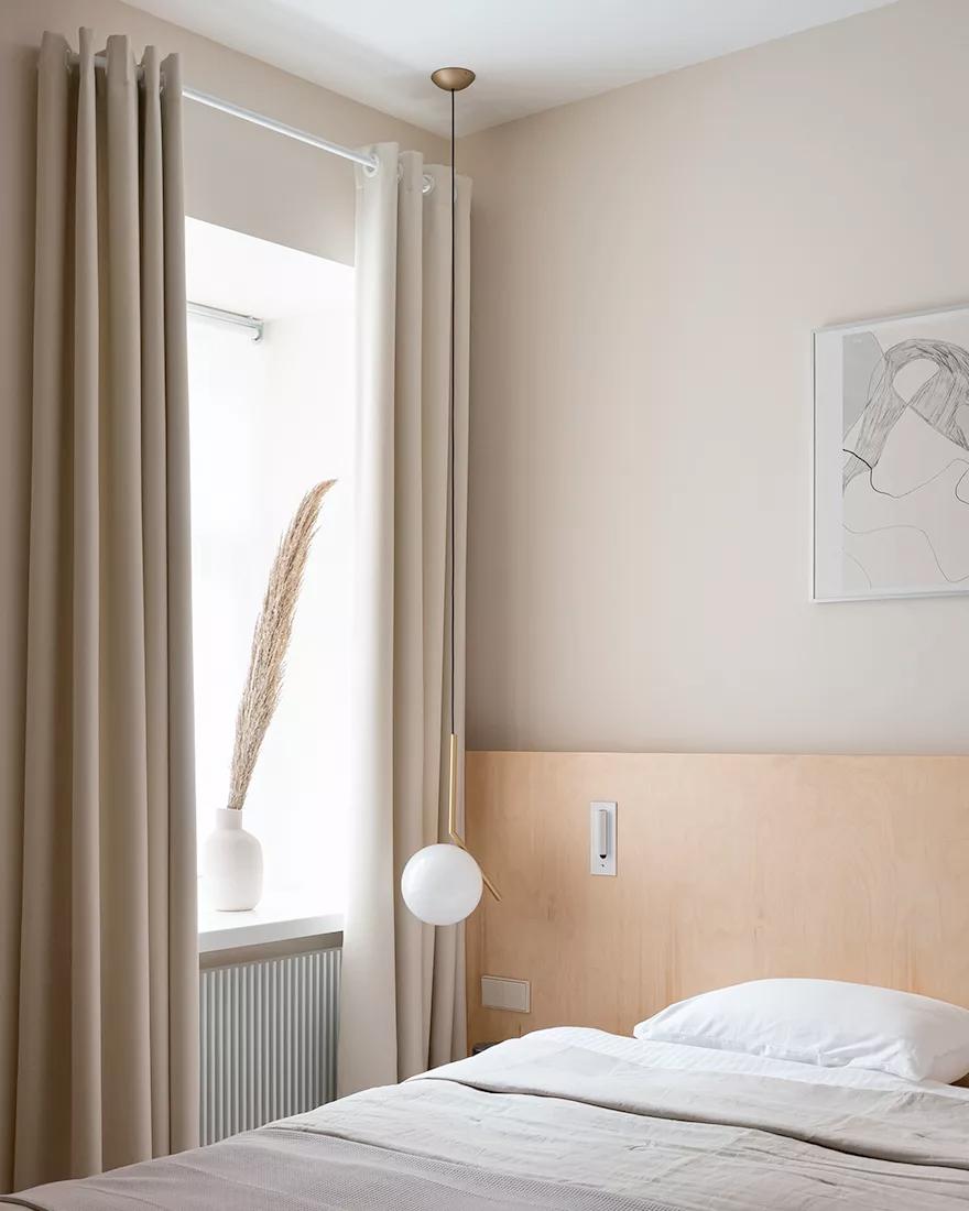 Бежевая спальня фото