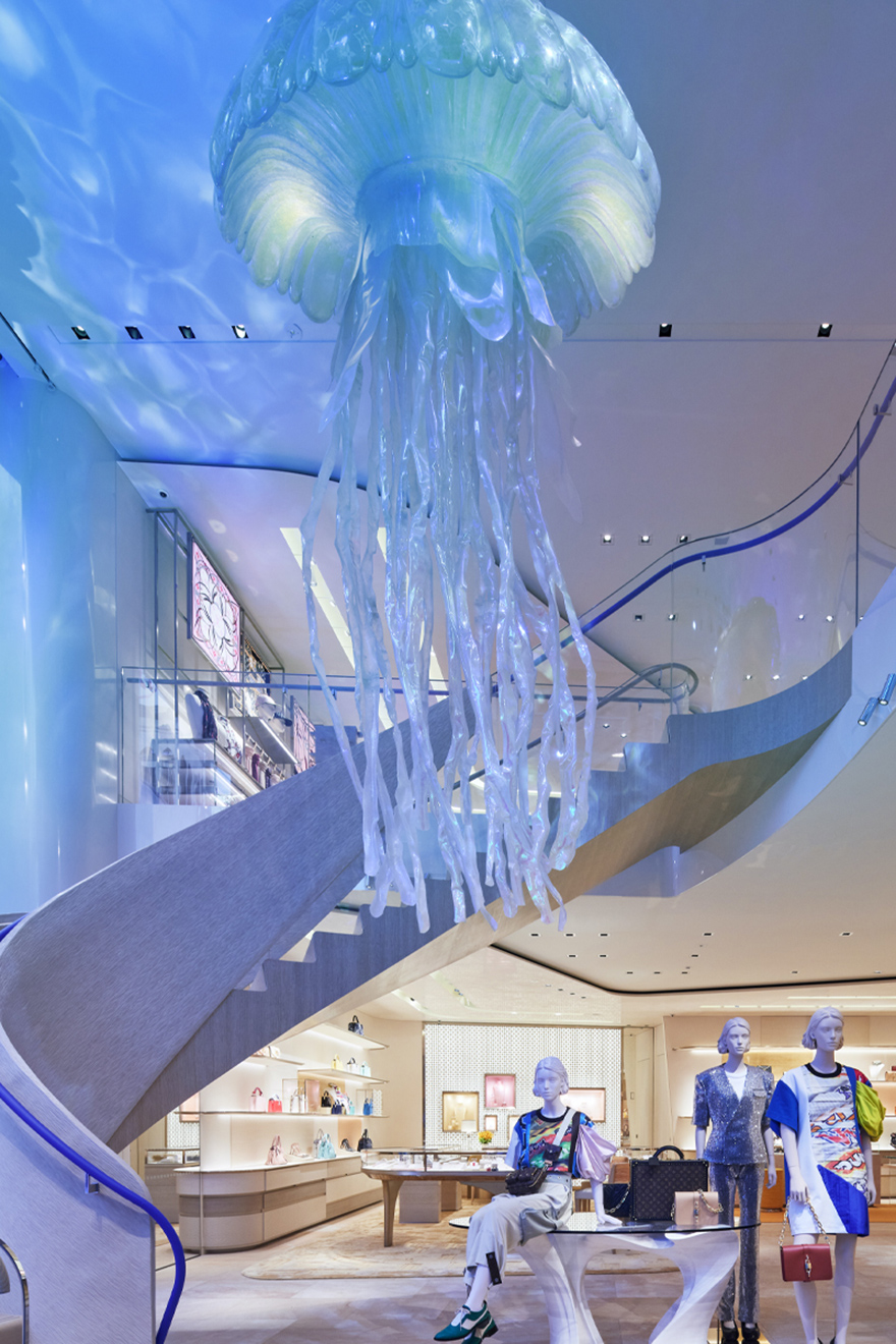 бутик Louis Vuitton в Токио фото