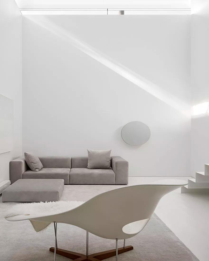 Квартира в белых цветах фото