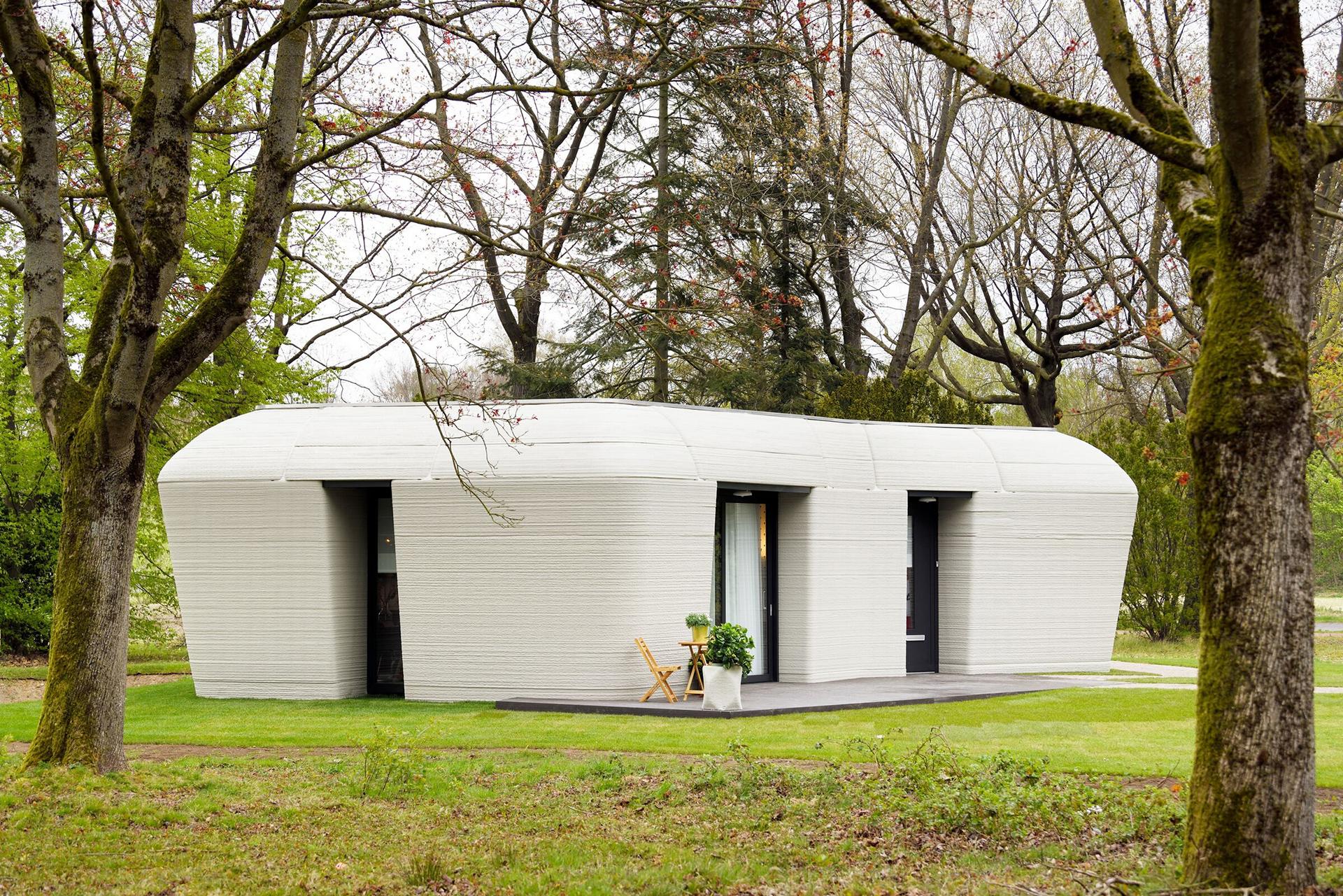 Houben & Van Mierlo: дом, напечатанный на принтере, и его первые жильцы