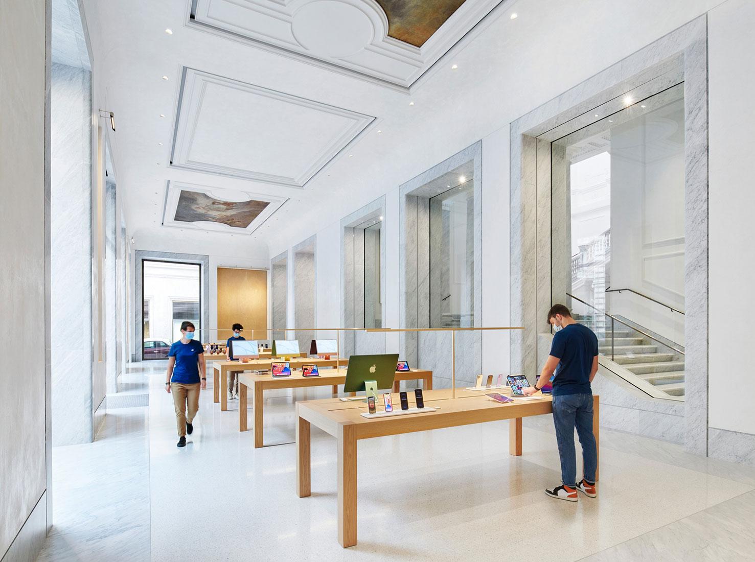 бутик Apple в Риме фото