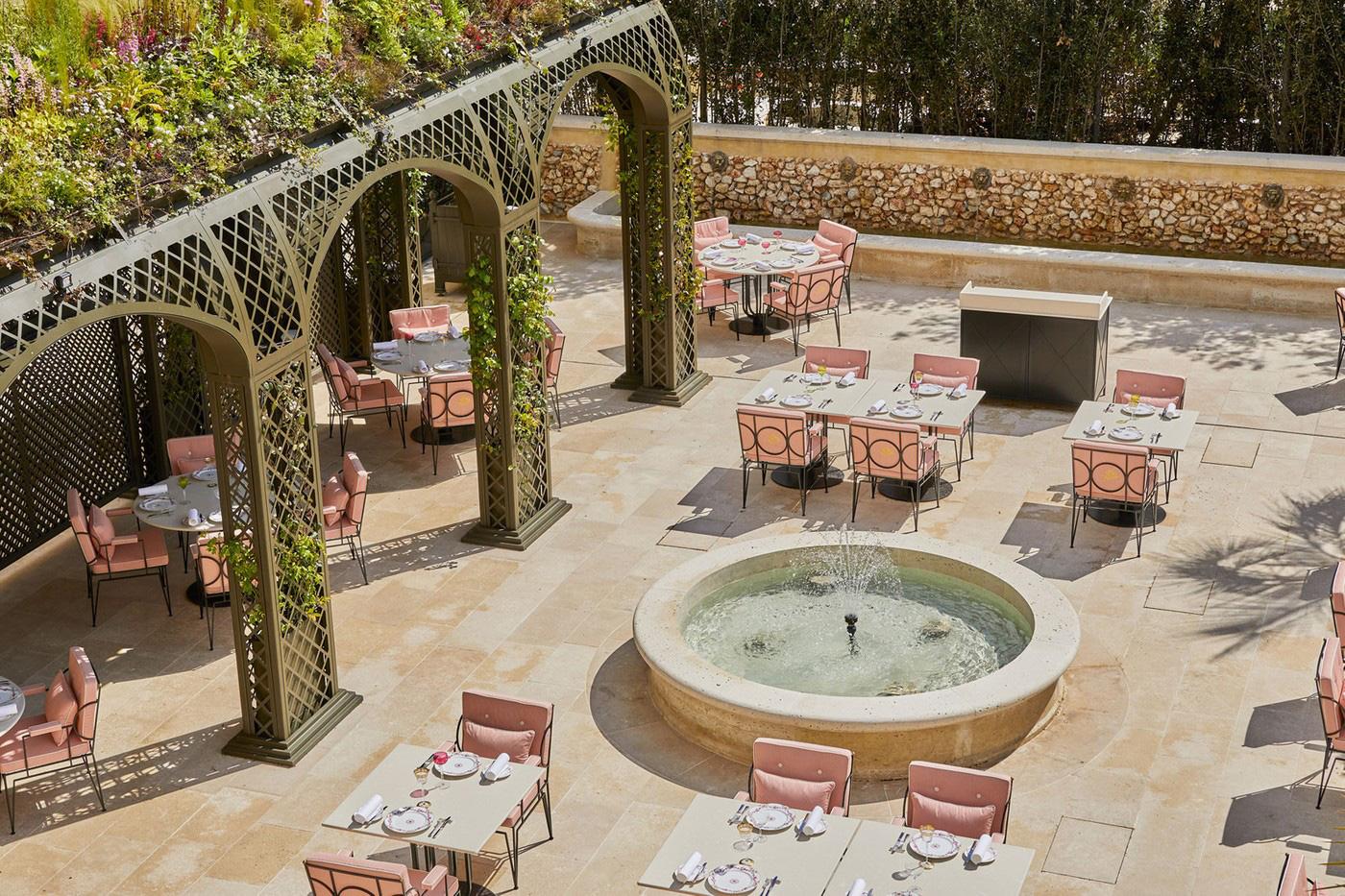Отель в Версале фото