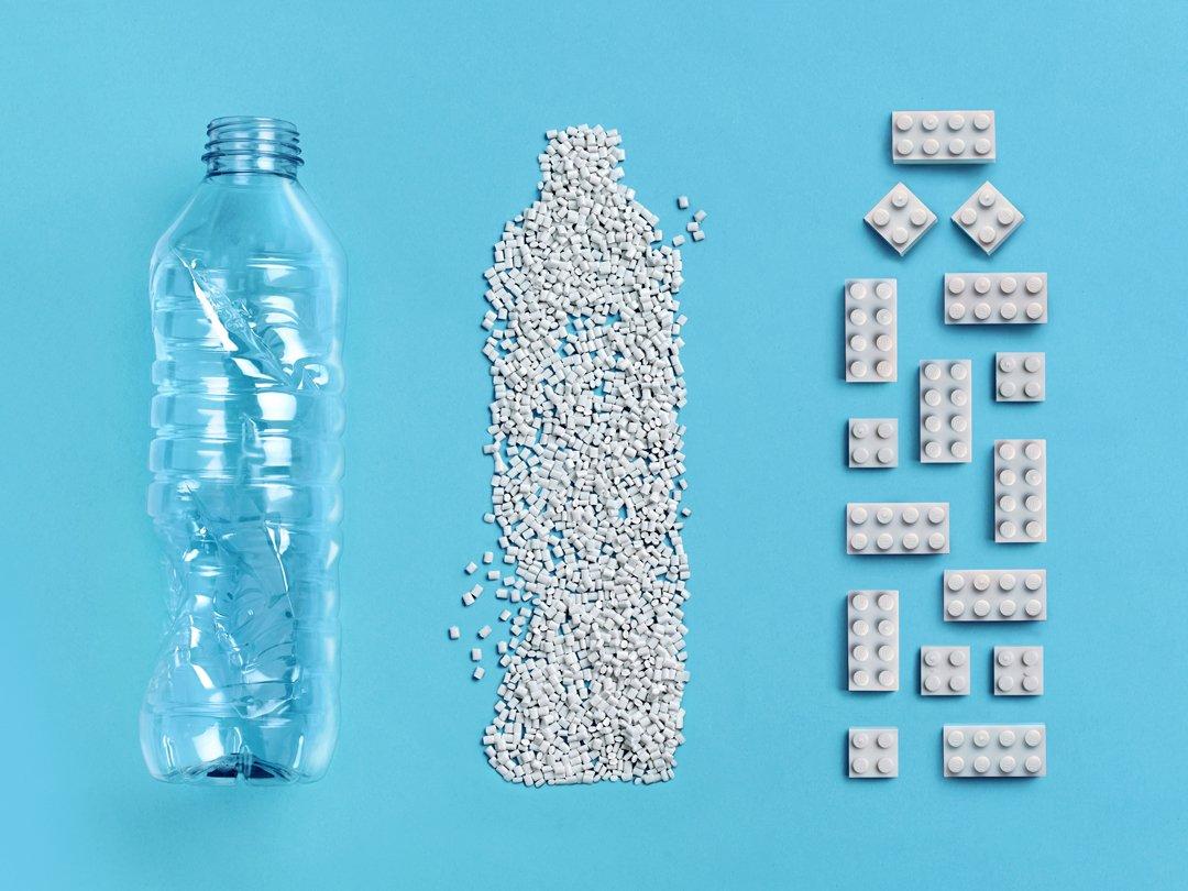 LEGO из переработанного пластика фото