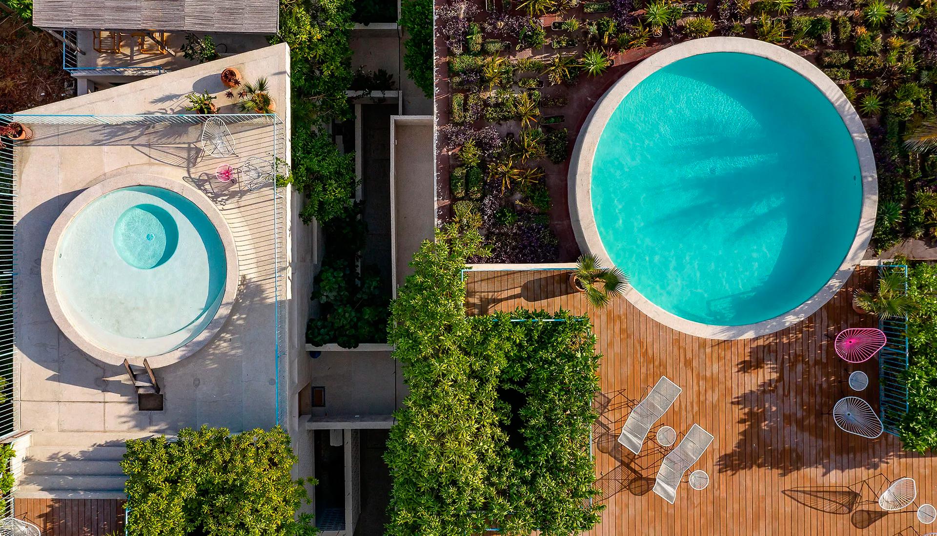Дом с бассейном фото