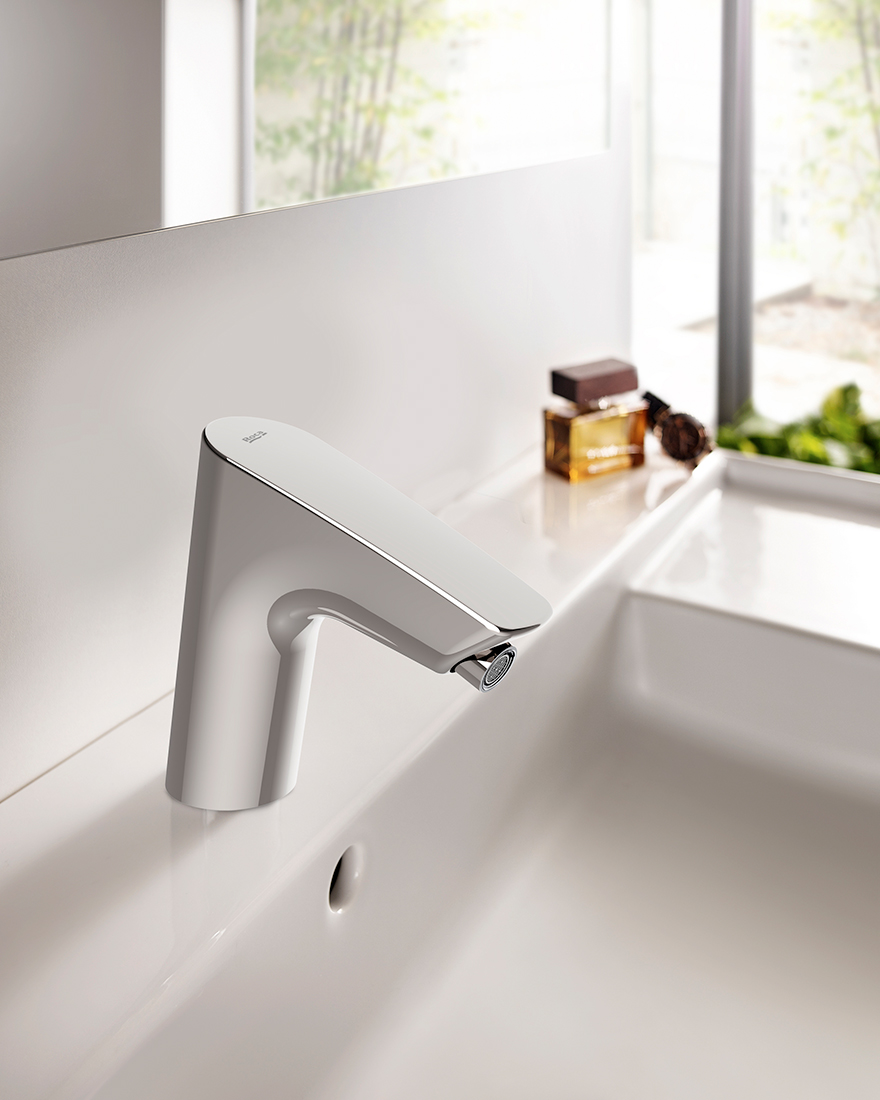 бесконтактные технологии для ванной фото