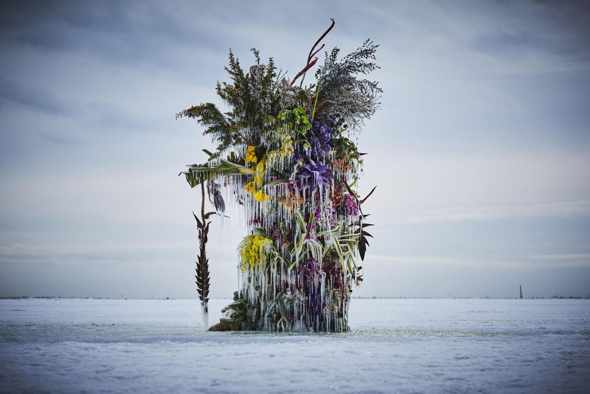 Ледяная инсталляция Макото Азумы