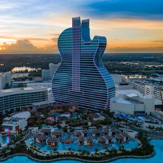 Отель в форме гитары по проекту Klai Juba Wald Architects