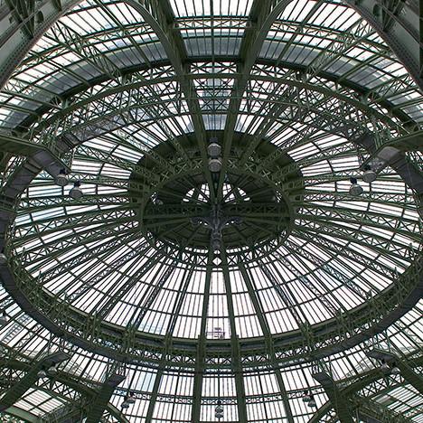 Большой дворец в Париже закроют на реконструкцию