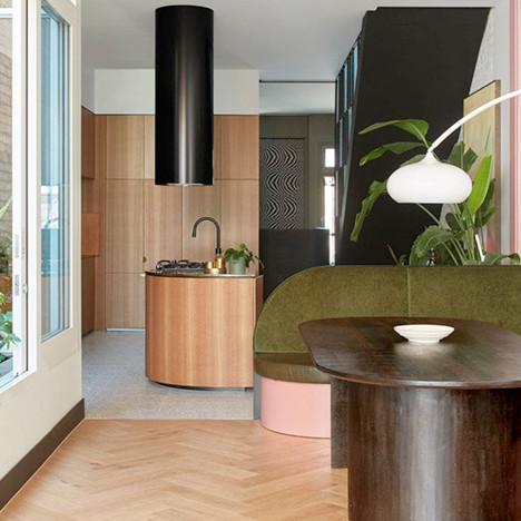 Fieldwork Architects: новый дом в бывшем борделе