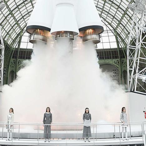 Карл Лагерфельд: 10 самых красивых шоу Chanel