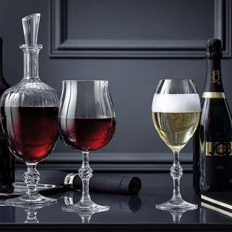 Страсть Жан-Шарля Буассе: бокалы и декантер винодела