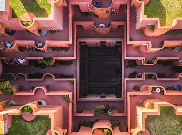 Архитектура Барселоны на фотографиях Мартона Модьороши