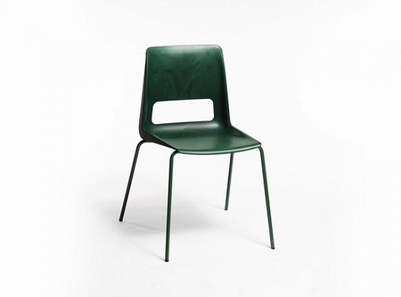 Норвежский стул из мусора