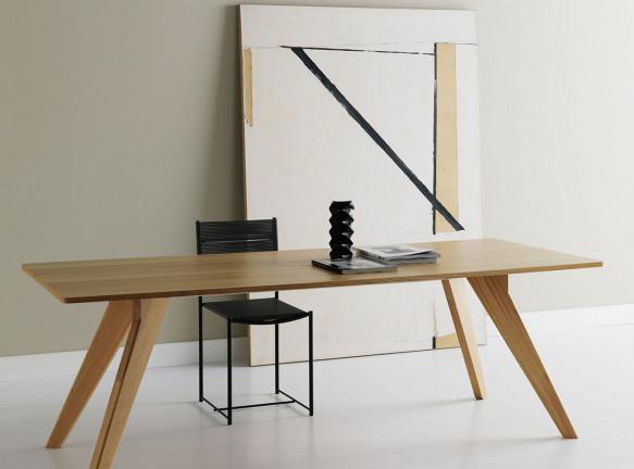 Обеденный стол Альфредо Хэберли