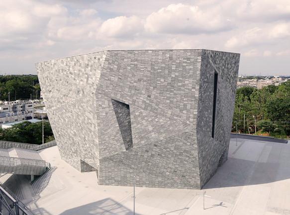 Культурный центр Kadokawa Culture Museum по проекту Кенго Кумы