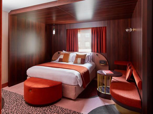 Оскар Люсьен Оно: отель в Париже с мотивами Memphis