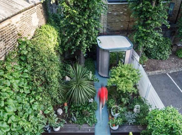 Boano Prišmontas: офис-префаб для работы в саду