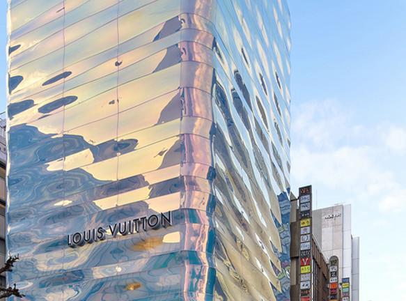 Обновленный бутик Louis Vuitton в Токио