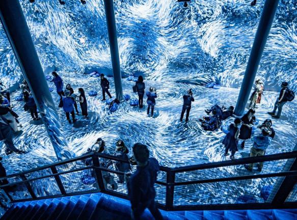 Цвет 2020 года: инсталляция в Нью-Йорке