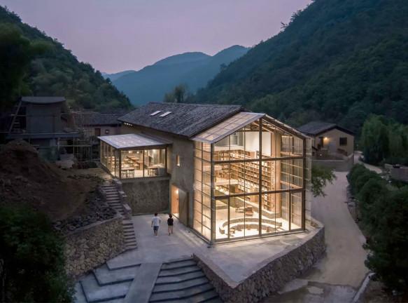 Atelier Tao+C: капсульный отель с библиотекой в Китае