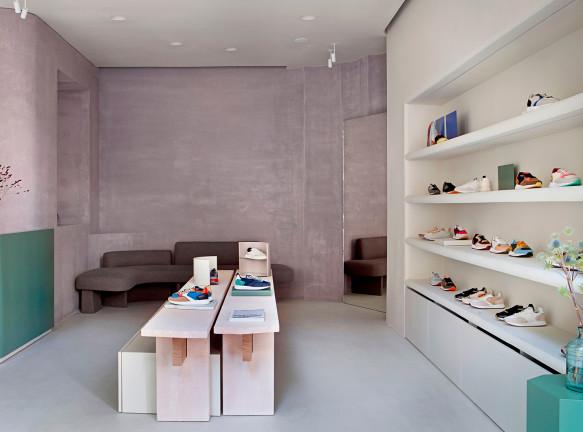 Ciszak Dalmas Ferrari: магазин кроссовок в Мадриде