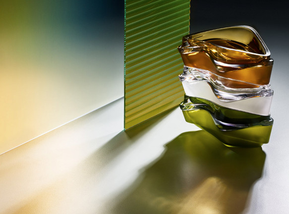 Zaha Hadid Design: новые предметы для декора стола