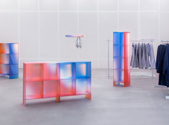 Радужное стекло Buzao: мебель для модной одежды