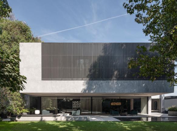 Francesc Rifé Studio: вилла для коллекционеров в Мехико