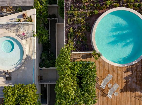 Francisco Pardo Arquitecto: жилье в городе серферов
