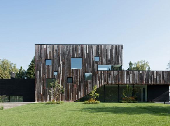 Архитектурное бюро ZUN: дом на берегу водохранилища