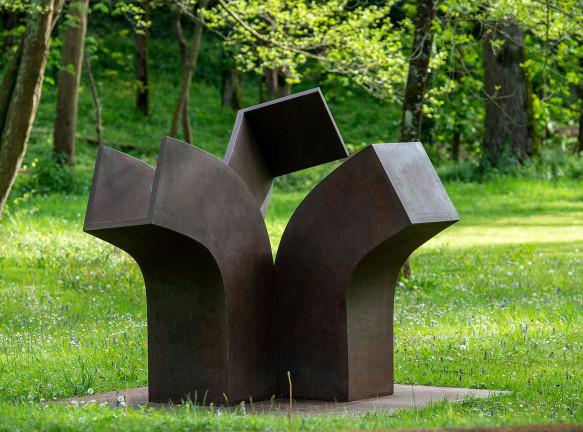 Скульптуры Эдуардо Чиллиды в галерее Hauser & Wirth