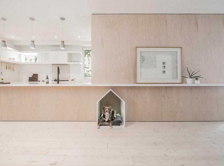 StudioAC: маленький дом для семьи и собаки