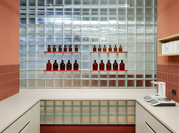 Аптека Studio Aisslinger: между аналоговым и цифровым