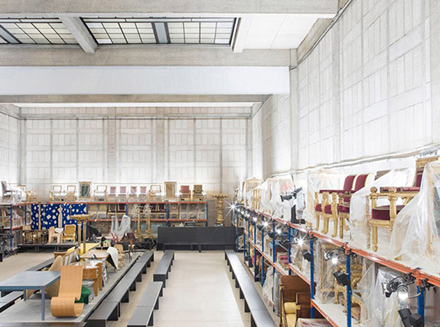 Hermès AW 2019 в здании французского Министерства мебели