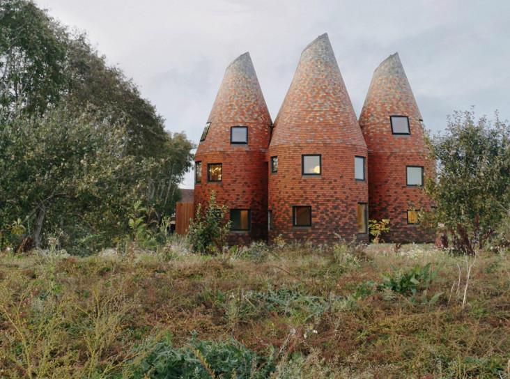 Дом с пятью башнями в Кенте по проекту ACME