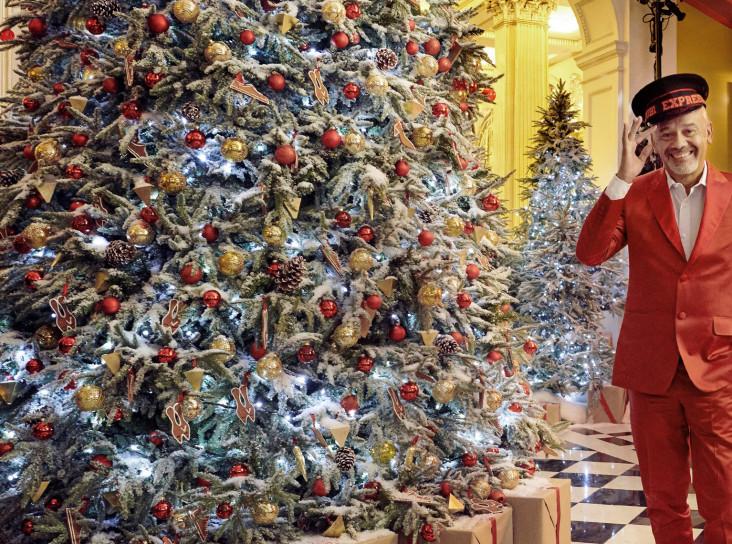 Рождественская елка Кристиана Лубутена в Claridge's
