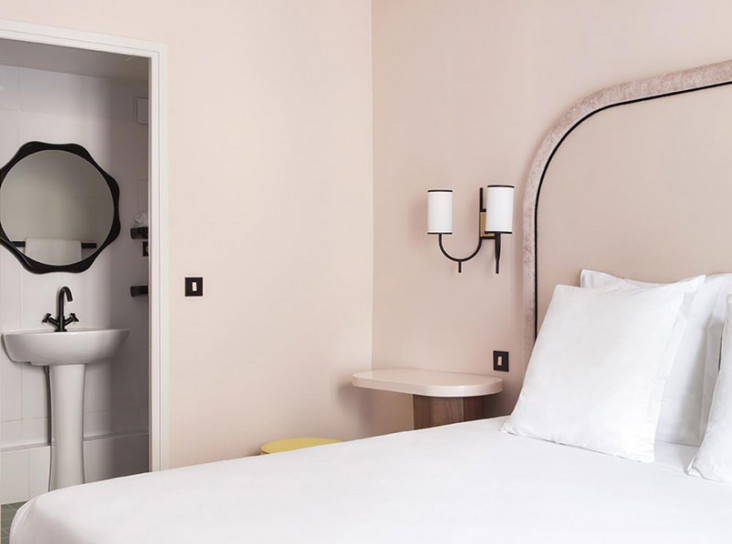 Отель «Добро пожаловать» в Париже