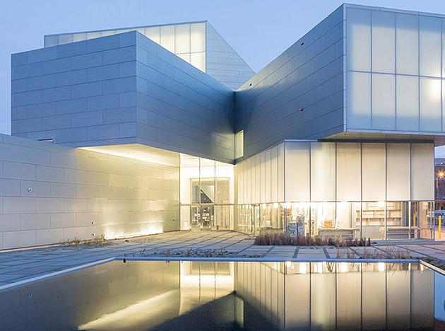 Institute for Contemporary Art (ICA): стекло и цинк от Стивена Холла