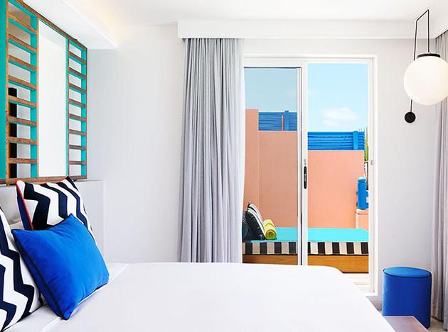 Камилла Валала разукрасила отель на Маврикии